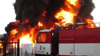 Голям пожар горя в склад за кабели в Плевен