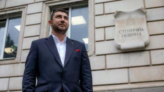 """Карлос Контрера: """"Демократична България"""" иска да отнеме новите автобуси на Кремиковци и Нови Искър"""