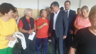 """Д-р Костадин Коев се срещна с членове на Туристическо дружество """"Юндола"""" и  Волейболен клуб """"Велинград волей"""""""