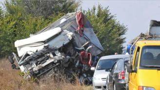 Двама загинали и 35 ранени при катастрофи през изминалото денонощие