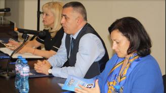 И министър Петя Аврамова пожела успех на Стефан Радев на 27 октомври