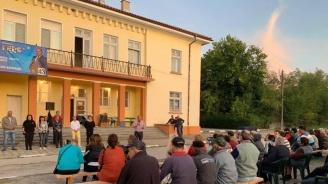 Кандидатът за кмет на Първомай Асен Кичуков се срещна с жители на село Караджалово
