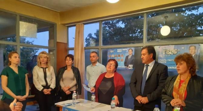 Кандидатът на ГЕРБ за кмет на Съединение Атанас Балкански, кандидатите