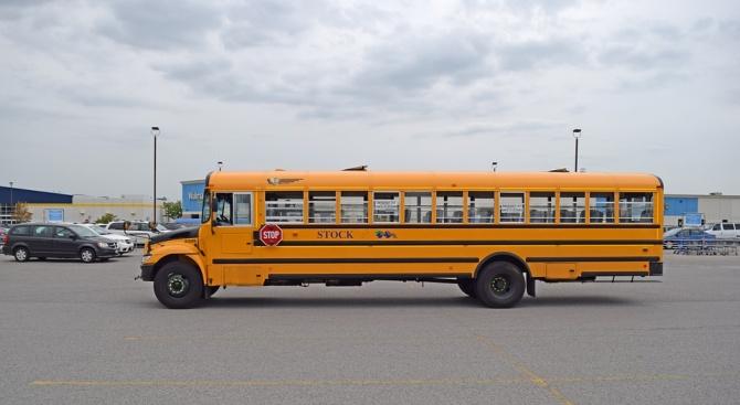 Полицаи предотвратиха превоз на ученици от шофьор, употребил алкохол, в