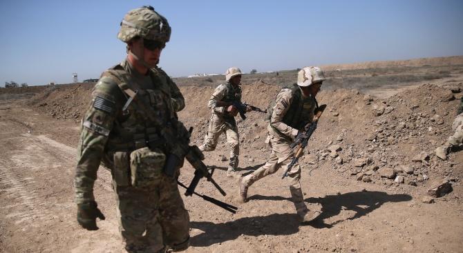 Военни от САЩ са били замеряни с картофи по време
