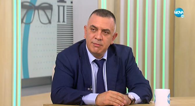 Кампанията ни е дигитално грамотна, заяви Стефан Радев - кандидатът