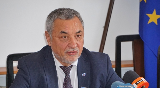 Лидерът на НФСБ Валери Симеонов внесе сигнали за брокери на