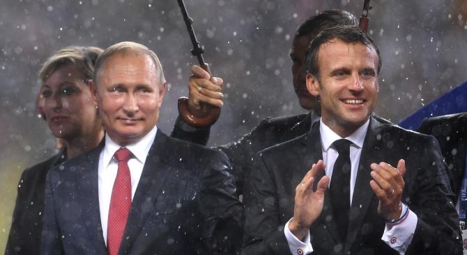 Президентите на Русия и Франция Владимир Путин и Еманюел Макрон