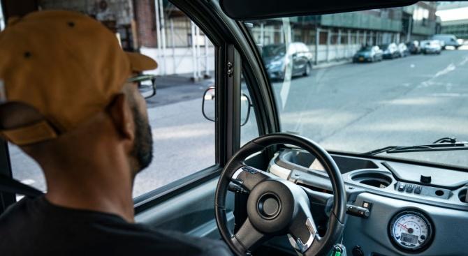 Водачът на училищния автобус, който бе хванат пиян, твърди, че