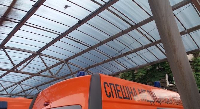 В Центъра за спешна медицинска помощ в София работят 12