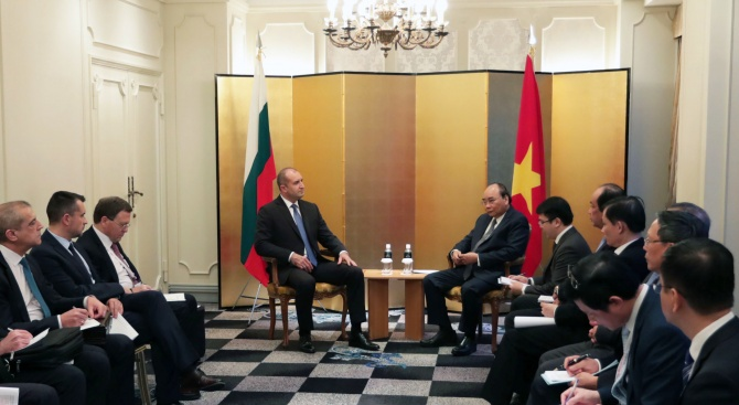 Румен Радев проведе среща с премиера на Виетнам Нгуен Суан Фук