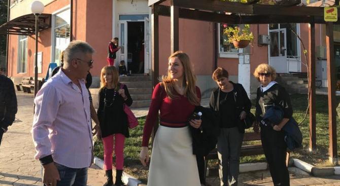 Николина Ангелкова: Кандидатът на ГЕРБ за кмет на община Антон инж. Сашо Александров ще преобрази общината