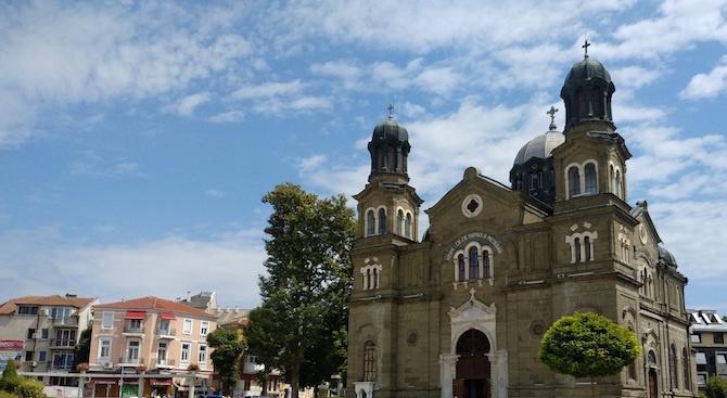 """Фасадата на църквата """"Св. св. Кирил и Методий"""" ще бъде"""