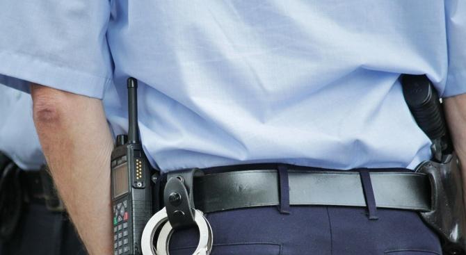 Мъж е задържан заради притежаване на наркотици, съобщиха от Пресцентъра