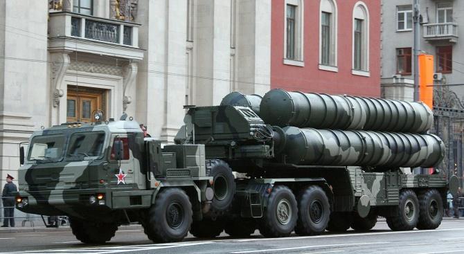 Турция обсъжда допълнителни покупки на противоракетната отбранителна система С-400 от