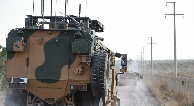 Отряди на турската армия установиха военен КПП край Рас ал Айн