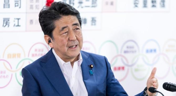 Японският премиер Шиндзо Абе се срещна с южнокорейския премиер И