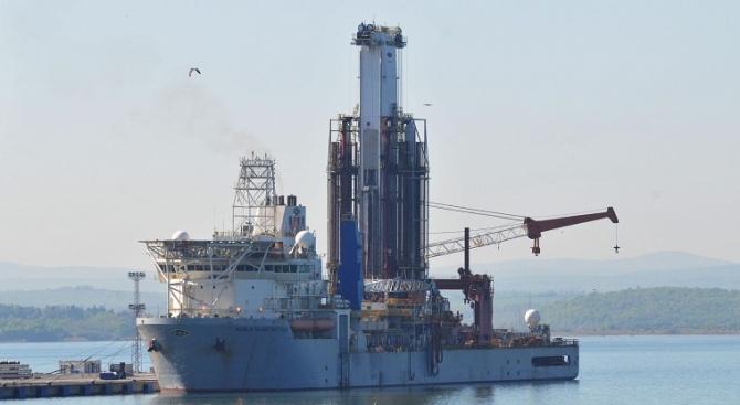 Пристанище Варна отворено вече за маневриране. Това съобщиха от Координационния