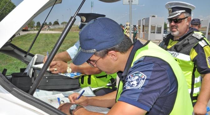 476 нарушения са установени при проверки на товарни автомобили и автобуси