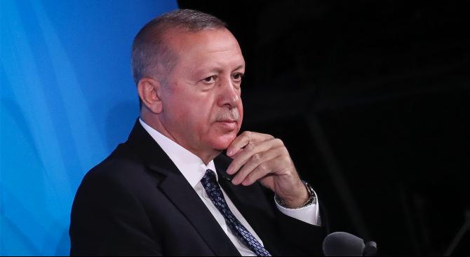 """Ердоган е подал жалба срещу френското сп. """"Поан"""""""