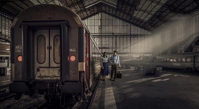 13 влака ще изчакват по час на жп гари, заради смяната на времето