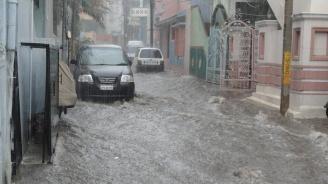 Тежки наводнения в Северна Италия, евакуирани са десетки