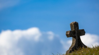 Мъж открадна паметна плоча от гробище в с. Басарбово