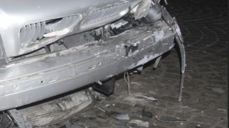 23-годишна шофьорка помете паркирани коли и тераса на къща в Смолян