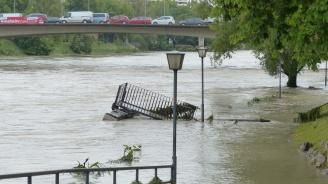 Загинал и двама в неизвестност след проливни дъждове в Каталуния