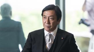 Пъпеши взеха главата на японски министър
