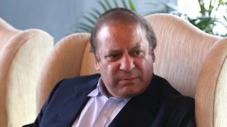 Пакистански съд освободи от затвора бившия премиер Наваз Шариф по здравословни причини