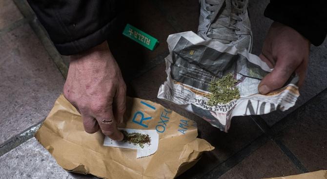 Мъж крие в продължение на 18 години наркотици в носа си