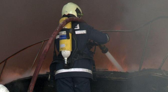 Избухнала газова бутилка подпали къща в Кюстендил