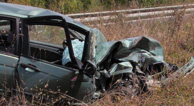 Две жени са пострадали при катастрофа край село Румянцево. Това