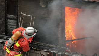 Пожар унищожи двореца Сюри в Япония
