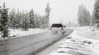 Сняг заваля на прохода Петрохан