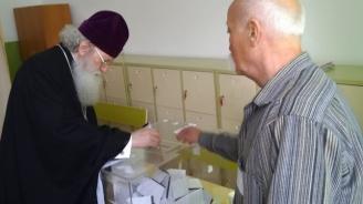 Патриарх Неофит упражни правото си на глас