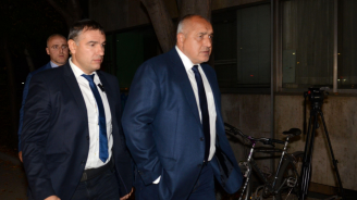 Борисов пристигна в централата на ГЕРБ