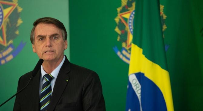 Болсонаро по повод петролния разлив в Бразилия: Най-лошото предстои