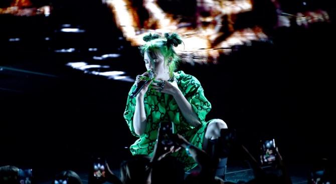 Били Айлиш триумфира на европейските MTV