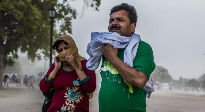 Снимка: Делхи бори мръсния въздух с номера