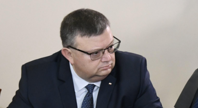Цацаров даде на инспектората на ВСС съдия от спецсъда
