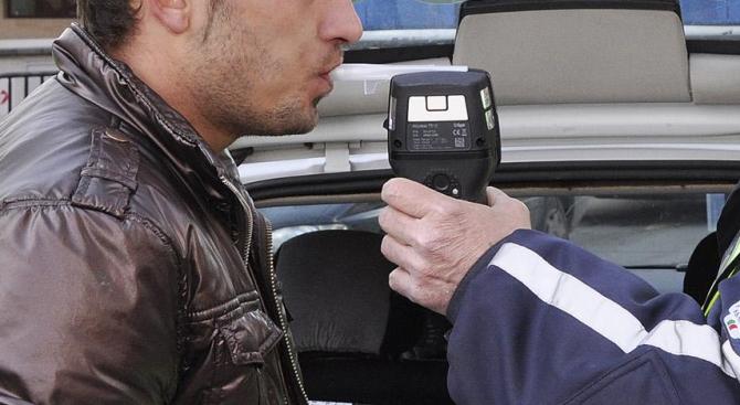28-годишен мъж от Царево е задържан при шофиране след употреба