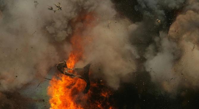Взрив уби пожарникари в Италия