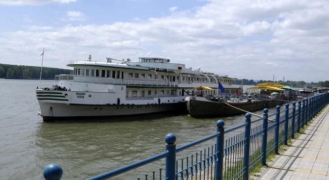 Корабоплаването по Дунав е силно затруднено заради ниското ниво