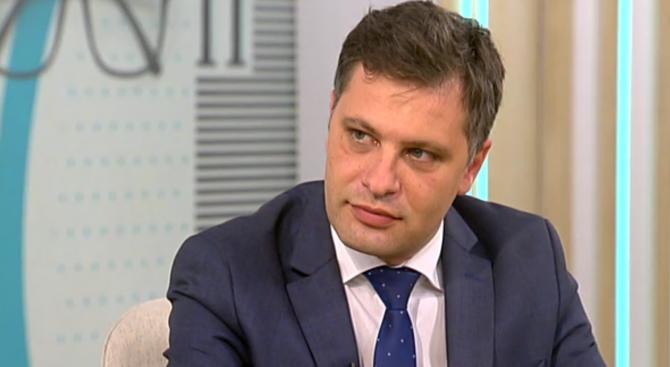Александър Сиди: Хората са отвратени от политиката