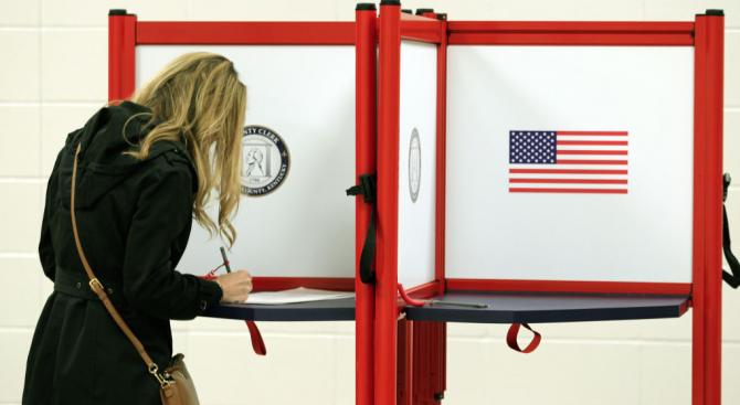 В САЩ заедно с регионалните и местните избори бяха произведени