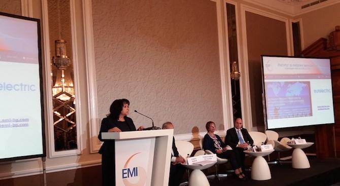 Теменужка Петкова: От средата на 2020 г. битовите потребители преминават към свободния пазар на ток