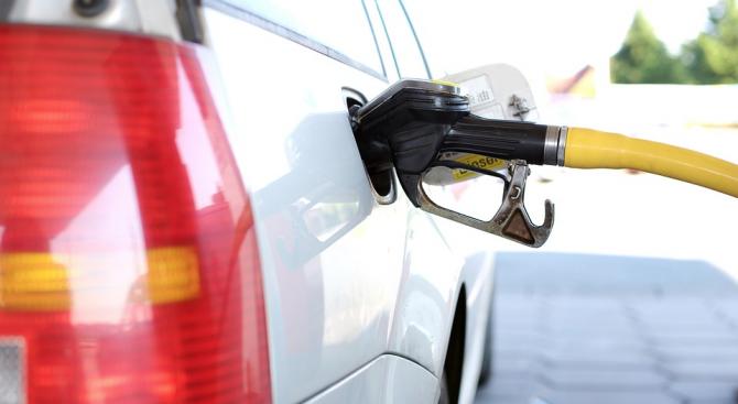 Водач, заредил гориво, без да го заплати, е установен от