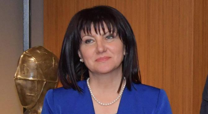 Караянчева: За неуморната си ежедневна работа българските полицаи заслужават нашето уважение и признателност